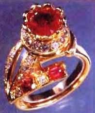 кольцо с красными бериллами