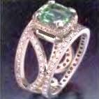 кольцо с зеленоватым бериллом