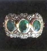 старинное кольцо с тремя изумрудами