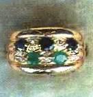 старинное кольцо с изумрудами и сапфирами