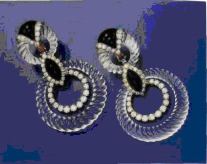 Пара серег с ониксом, горным хрусталем и бриллиантами