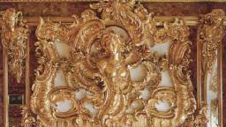 Золоченый десюдепорт. Южная стена янтарной комнаты