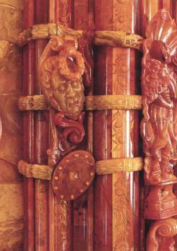 Скульптурный декор и гравировка Большой рамы. Южная стена янтарной комнаты