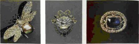 Брошь с барочной жемчужиной и бриллиантами в виде насекомого с развернутыми крыльями