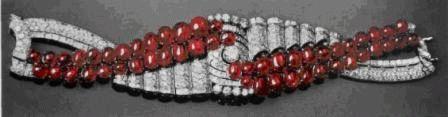 Необычный браслет с рубинами и бриллиантами. Дом Драйсон