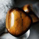 Тигровый глаз камень - свойства лечебные и магические, ювелирные украшения с тигровым глазом для знаков зодиака