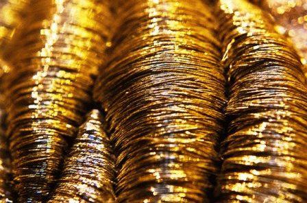 металлы знака водолей золото