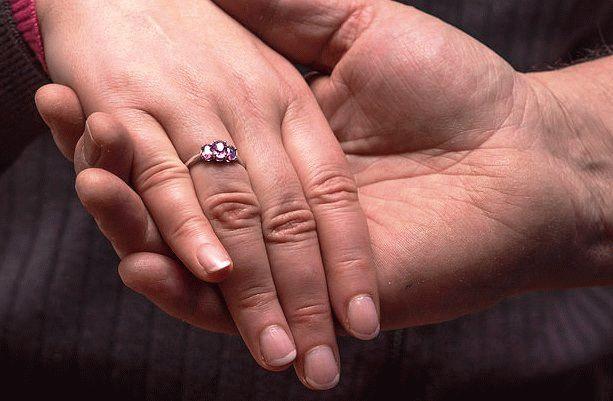 обручальные кольца с сапфирами и бриллиантами