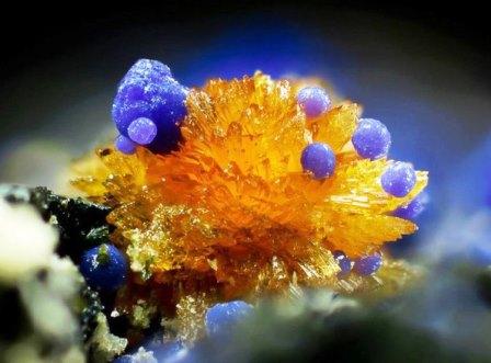 Стюартит и фосфосидерит