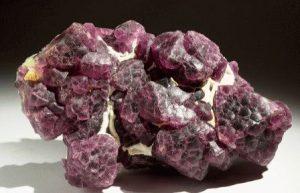 Флюорит камень - свойства лечебные и магические, ювелирные украшения с флюоритом для знаков зодиака