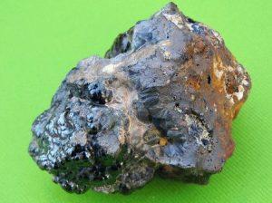 Гематит камень - свойства лечебные и магические, ювелирные украшения с гематитом для знаков зодиака, камень кровавик