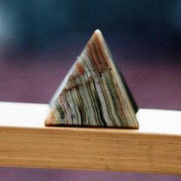 Оникс камень - свойства лечебные и магические, ювелирные украшения с ониксами для знаков зодиака