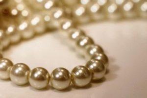 Жемчуг, изделия с жемчугом, украшения жемчуг, драгоценный камень жемчуг купить