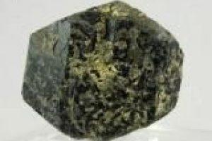 Авгит – применение минерала в магии и лечении камнями