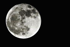 Белая Луна и ее значение в гороскопе рождения