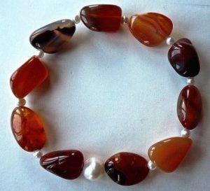 Сердолик камень - свойства лечебные и магические, ювелирные украшения с сердоликом для знаков зодиака