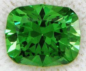 Демантоид камень - свойства лечебные и магические, ювелирные украшения с демантоидом