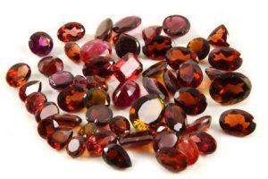 Гранат камень - свойства лечебные и магические, ювелирные украшения с гранатами для знаков зодиака