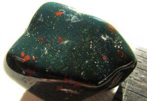 Гелиотроп камень - свойства лечебные и магические, ювелирные украшения с гелиотропом для знаков зодиака