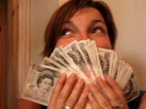 Сонник К чему снятся деньги - видеть во сне монеты, купюры
